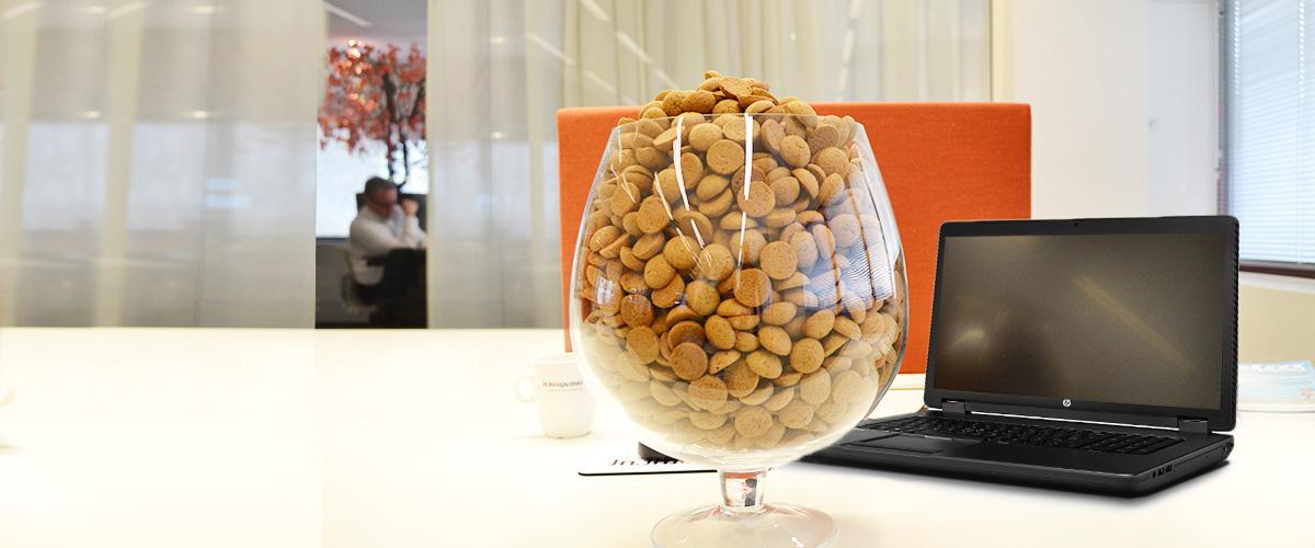 Raad het aantal kruidnoten in de glazen vaas