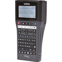 Brother labelprinter: Draagbaar model met TZe-tapes van 3.5 tot 24 mm en PC-aansluiting - 180 dpi - Zwart, QWERTY