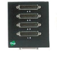 Digi kabel adapter: 4-port DTE DB-25M connector box - Zwart
