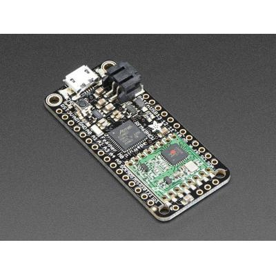 Adafruit : RFM69HCW 48 MHz, 20 GPIO pins, 8x PWM, 10x analog in, 1x analog out, 51x23x8 mm