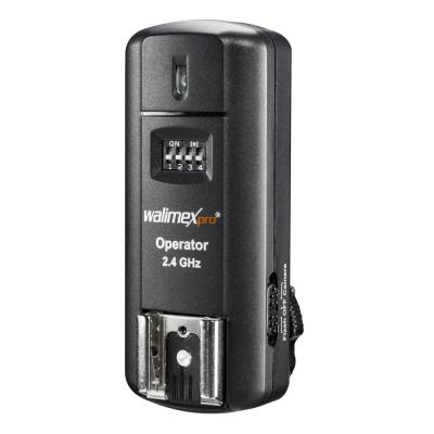 Walimex : Receiver 2.4GHz, 16 Channels, up to 30m, 1/250s, 2x 3V AAA, 50g, Black - Zwart