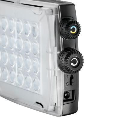 Manfrotto camera flitser: 24 LEDs, 900lux at 1m, 3100-5600K, CRI>93, Li-ion L-Type, 6 x AA, 44 x 108 x 170mm, 300g - .....