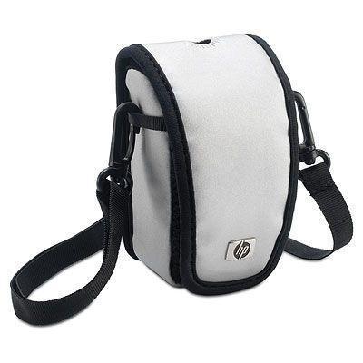 HP Deze sportieve zilverkleurige tas beschermt uw camera en de accessoires tegen krassen, stoten en weersinvloeden. .....