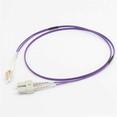 C2G 3M LC/SC OM4 LSZH FIBRE PATCH - VIOLET Fiber optic kabel