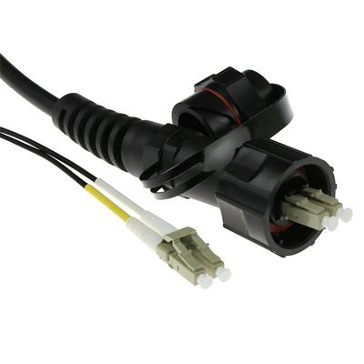 ACT 30 meter multimode 50/125 OM3 duplex fiber patch kabel met LC en IP67 LC connectoren Fiber optic kabel - Zwart