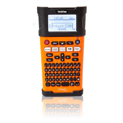 Brother labelprinter: Draagbaar model voor TZe-tapes van 3.5 tot 18 mm - 180 dpi - Zwart, Oranje, QWERTY