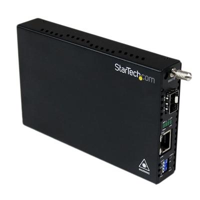 StarTech.com Gigabit ethernet glasvezelmediaconverter met open SFP-sleuf Media converter - Zwart