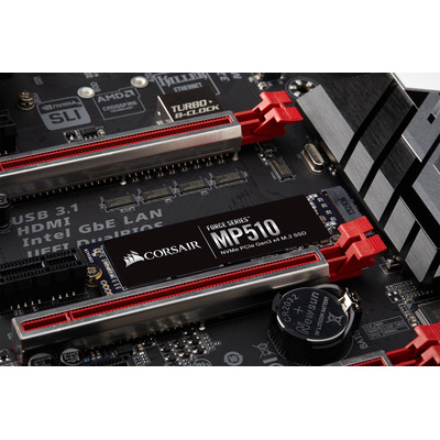 Corsair CSSD-F960GBMP510B solid-state drives