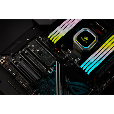 Corsair CSSD-F1000GBMP600PRO solid-state drives