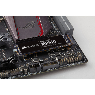 Corsair CSSD-F1920GBMP510 solid-state drives